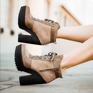 WOMEN LACE UP BOOTIES